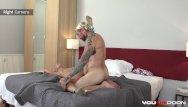 جاري يحب أن يمارس الجنس مع كس
