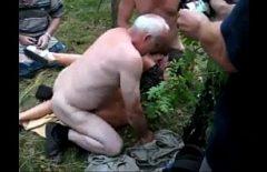 ممارسة الجنس مع سانتا الذي يمارس الجنس مع العشب الأخضر الشباب