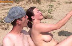 الاباحية على الشاطئ مع كس الشباب يريده الديك