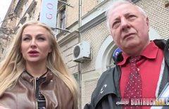 ممارسة الجنس مع امرأة شابة تمارس الجنس مع رجل عجوز