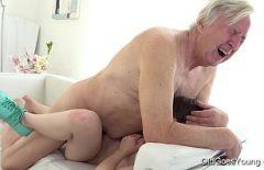 في منزلي ، أمارس الجنس مع ملكة جمال حتى أتعب من بوسها
