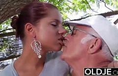 سانتا ما الشرج يمارس الجنس مع فتاة سوداء الكلبة