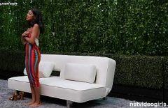 امرأة سوداء معروف أنها تمارس الجنس بشكل جيد في الحديقة