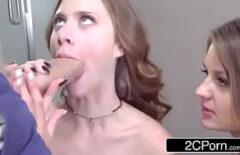 ممارسة الجنس مع اثنين من الهرات مص الديك جميلة جدا